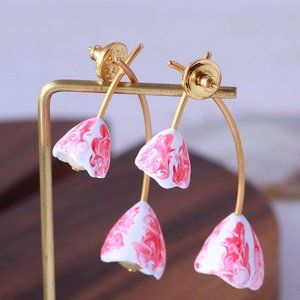 Tory Burch Resin Blooming Flower Earrings